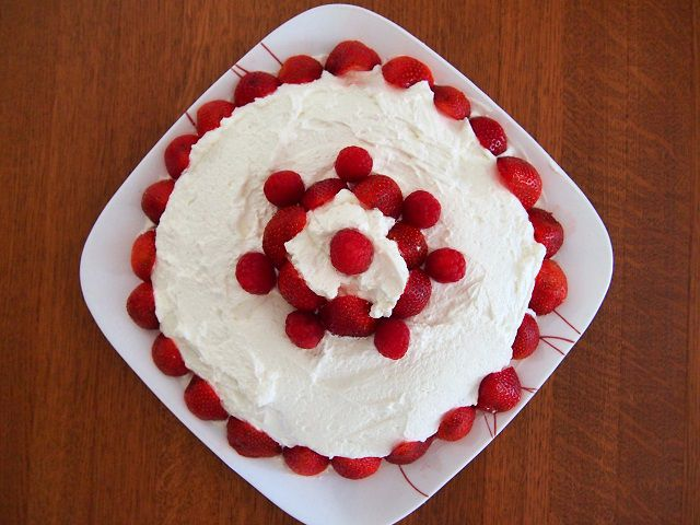 Frangipane Strawberry Cake