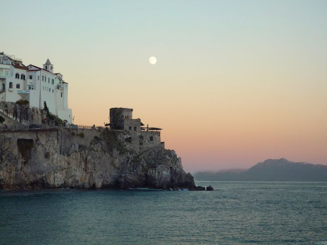 amalfi moon 1